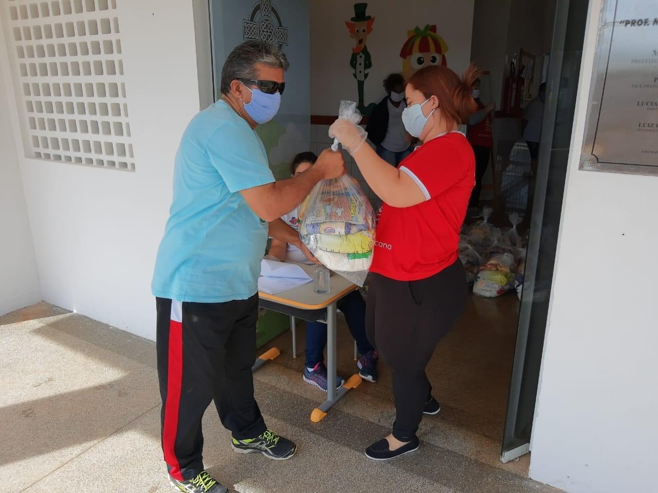 Kits merenda foram distribuídos nas escolas da Cohab lll e CDHU I