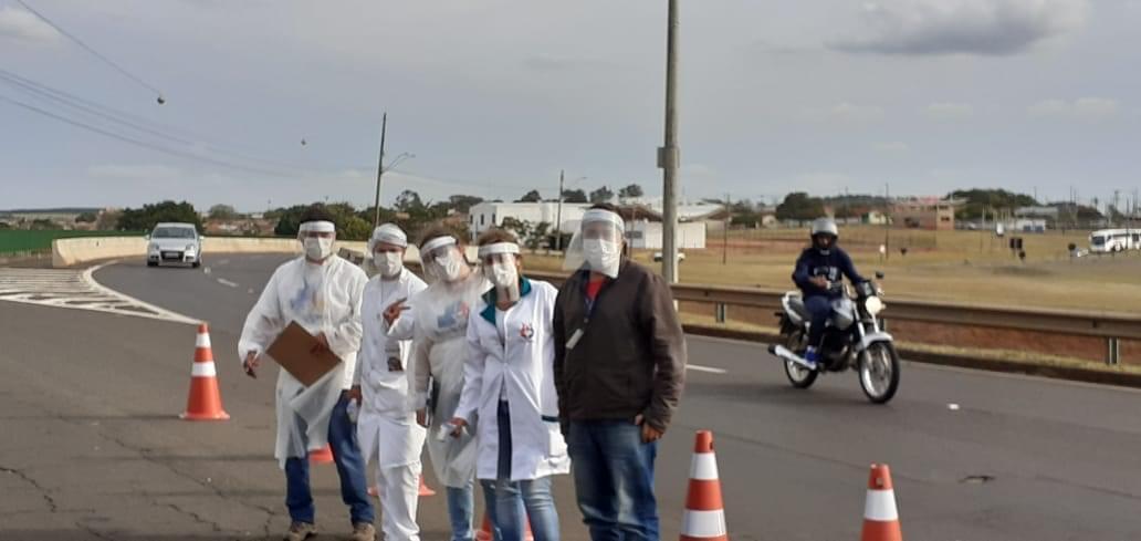 Barreiras sanitárias irão funcionar até sábado nos principais acessos em São Manuel. Mais de 1.300 veículos foram monitorados