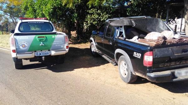 Polícia apreende mais de 200 quilos de carne em rodovia de Anhembi