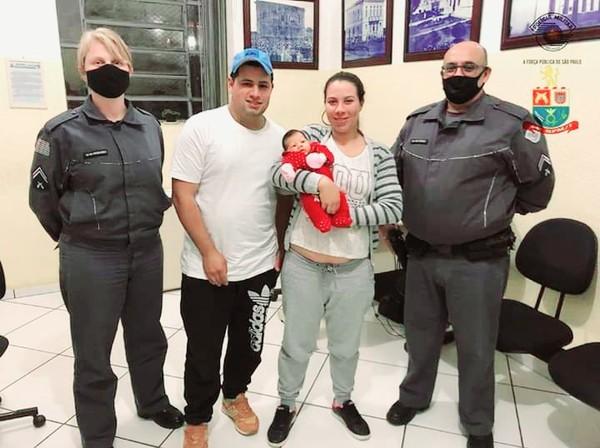 Policiais salvam bebê que se afogou com leite materno no interior de SP