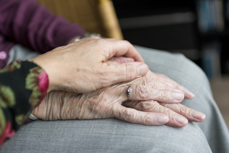 Botucatu: Vereador pede acompanhante para idosos ou deficientes que não possuam amigos ou familiares em agendamentos médicos
