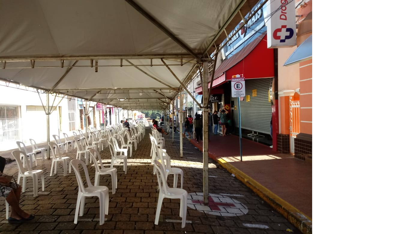 Prefeitura reduzirá tamanho das tendas na rua XV de Novembro