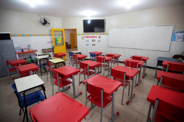 'Escola é a última a voltar', diz vice-governador de São Paulo