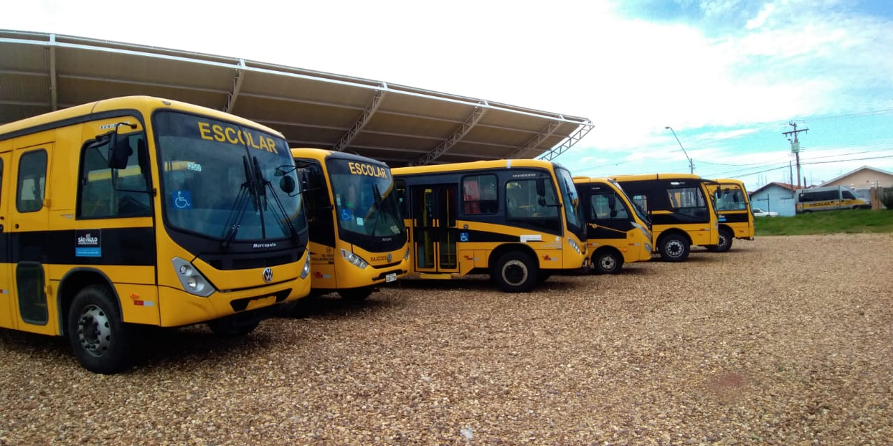 Com intermédio do Tenente Coimbra, São Manuel recebe novo ônibus para transporte escolar
