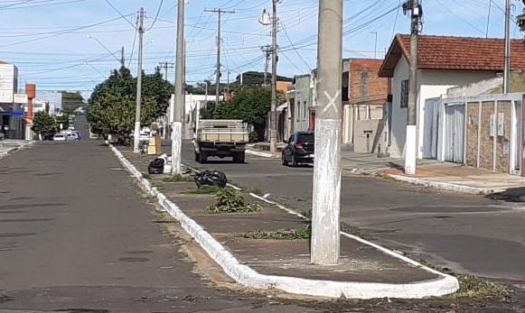 Prefeitura irá multar quem colocar lixo no meio de avenidas