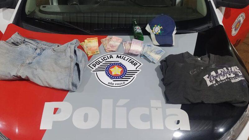 Polícia Militar detém homem por roubo a farmácia