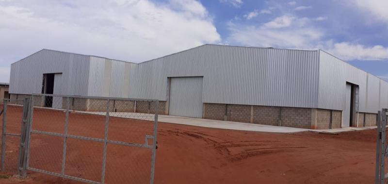 Empresas seguem em obras no novo Distrito Industrial de São Manuel