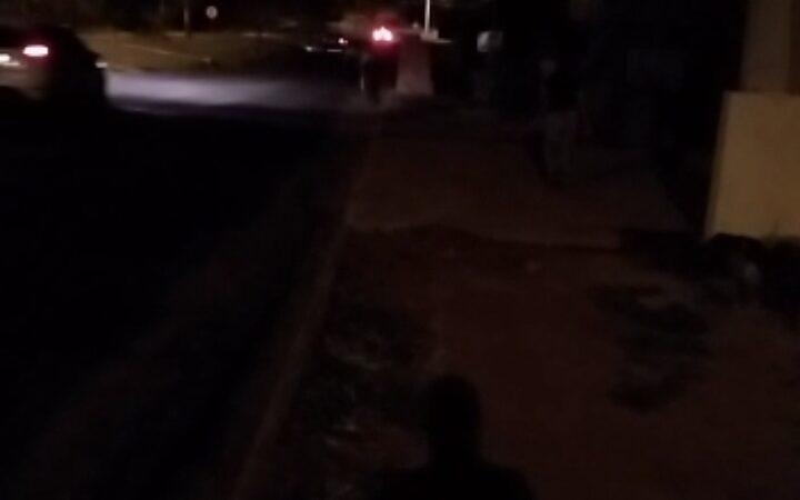 Falta de iluminação em trecho da vicinal Tarcílio Baroni deixa pedestres e ciclistas em risco