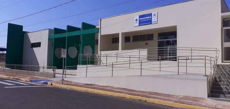 Laboratório Municipal e Farmácia Central agora funcionam na policlínica